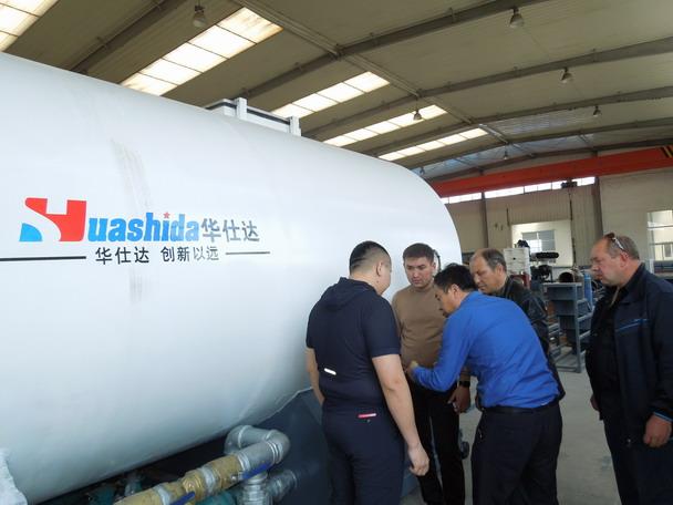 哈萨克斯坦要华仕达两台1200保温管生产线
