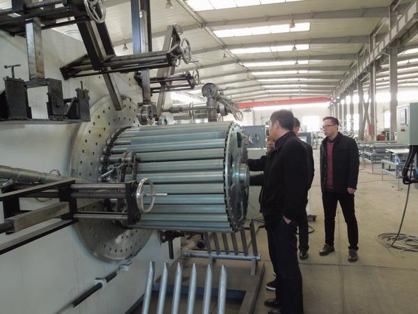 华仕达自主研发制造大口径中空壁缠绕管生产线