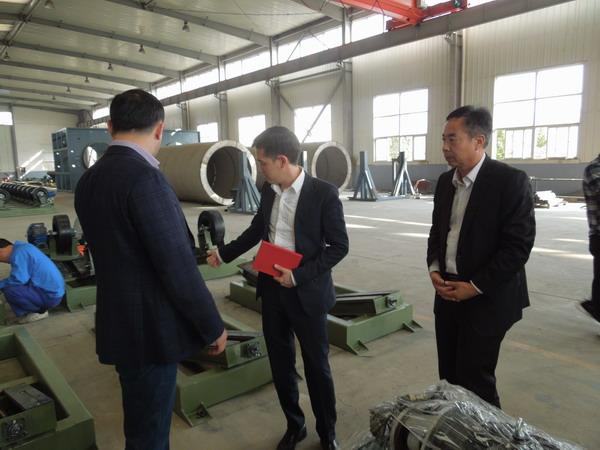 3PE防腐管生产线华仕达有大中小型管道传动设备