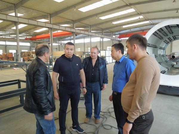 俄罗斯客户信赖华仕达保温管生产线