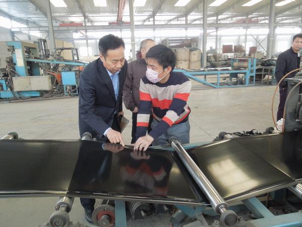 华仕达让热收缩带设备从原料到制品形成产业链