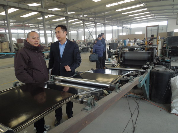华仕达打造热收缩带设备全产业链经济