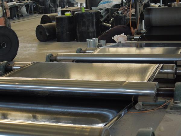 华仕达制造热收缩套设备培训客户员工一体化