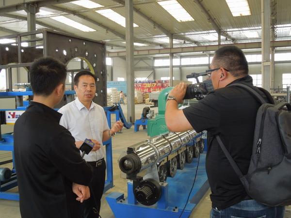 3PE钢管防腐生产线 一条被媒体宣传的华仕达生产线