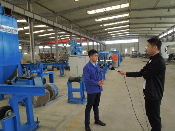 这是一条华仕达被媒体广泛宣传的 3PE钢管防腐生产线