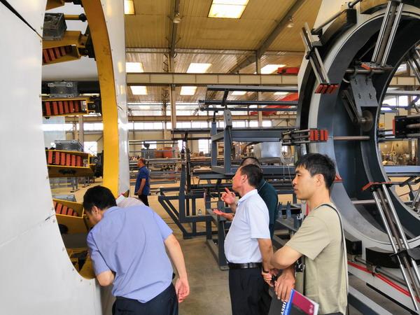 华仕达制造更专业保温管生产线