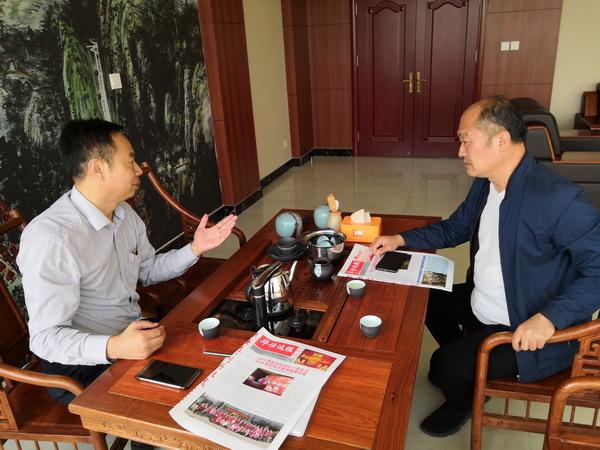 冯总表示曲格管业要与华仕达保温管设备长期合作