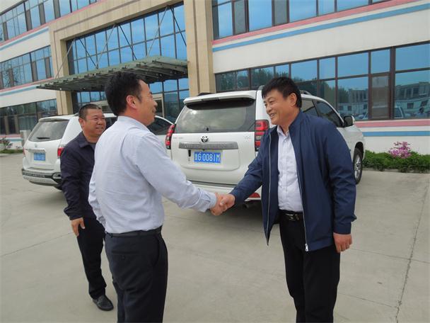 华仕达向潍坊客户提供的是能通过  环保的橡塑发泡保温管生产线