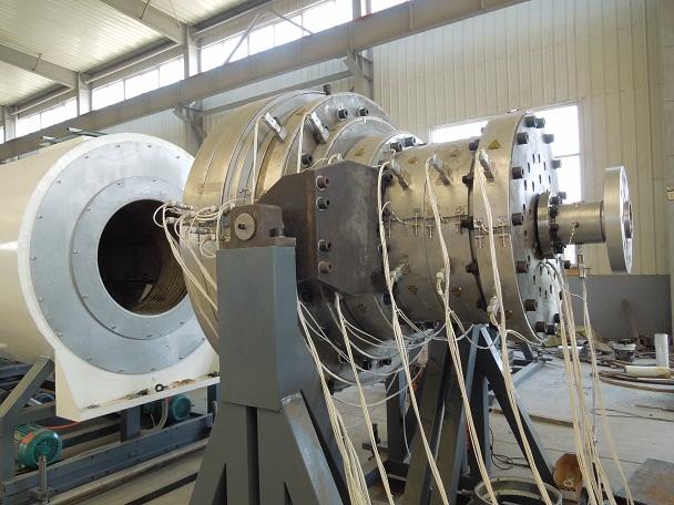 最大口径管材可做到2000mm华仕达保温管生产线