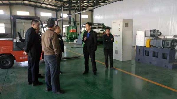 华仕达试车就成功的橡塑发泡保温管/板材生产线是如何打造的