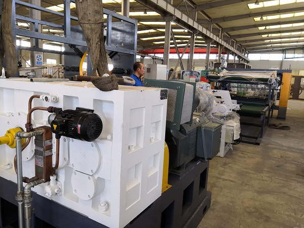 150型橡塑发泡保温管生产线的华仕达技术参数