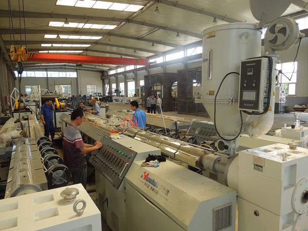 用华仕达钢带缠绕管设备生产的管材具有众多优势