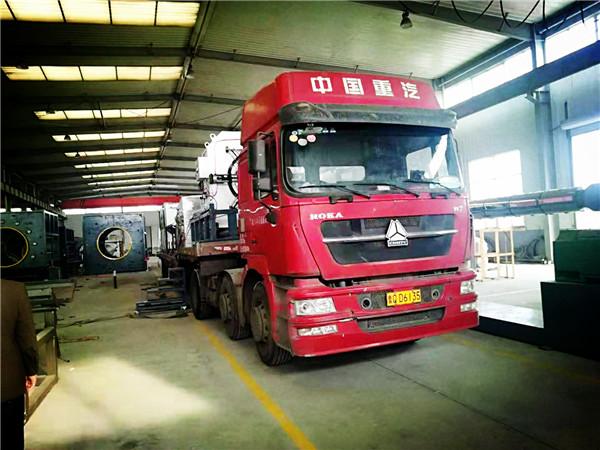 华仕达又开启了发货季节运行模式  临沂客户急需的保温管设备上路了