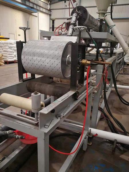 华仕达海洋塑料踏板生产线