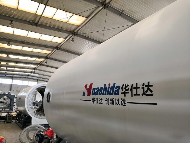 华仕达为豫安生产的Ф1880mm型保温管设备  一次试车就获成功