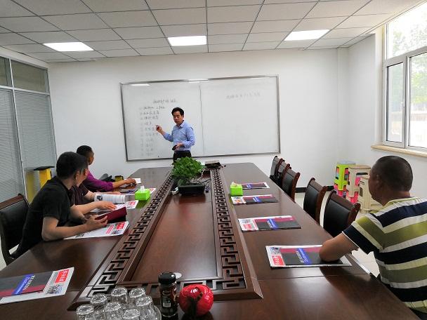 华仕达对河北客户开展 电热熔带生产线技术培训