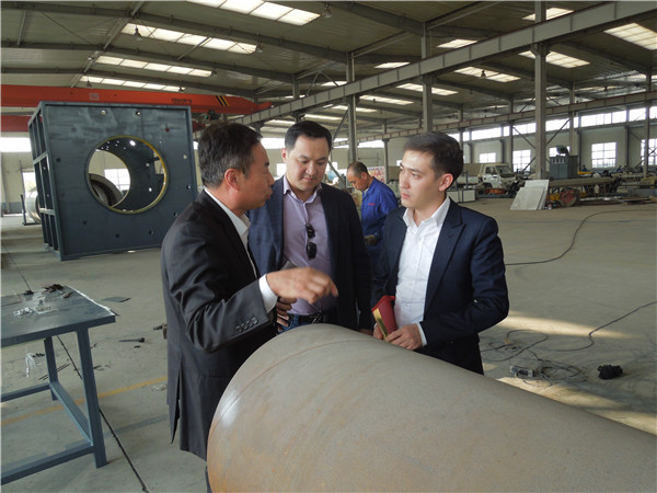 华仕达1600型3PE防腐管设备成了市场主力防腐设备