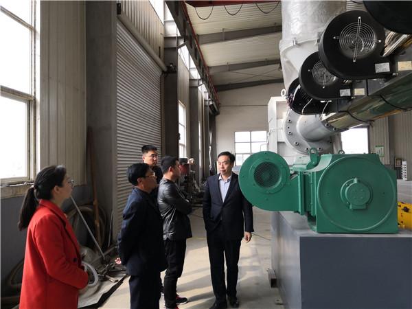 华仕达采用固液相分离螺杆技术的保温管生产线