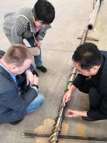 固液相分离螺杆是华仕达保温管设备的关键技术