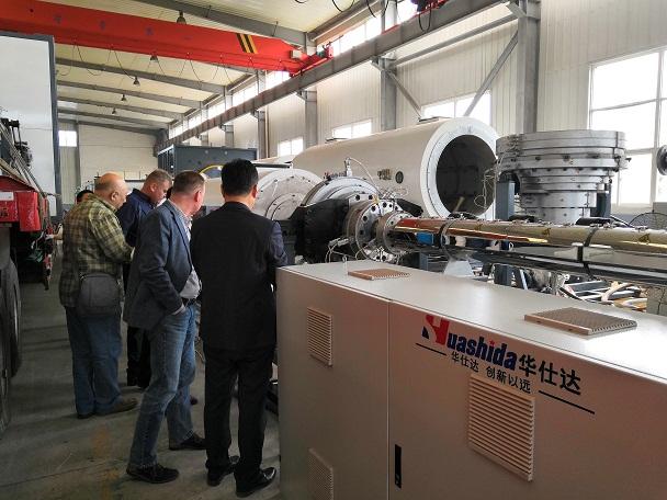 华仕达追踪保温管设备新技术  的能力让外国客户佩服