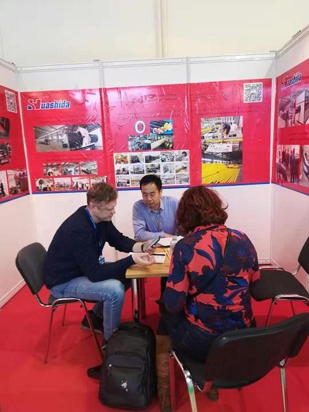 华仕达在莫斯科会展上收获一条  一步法保温管生产线