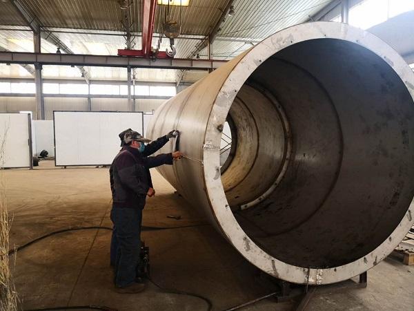 华仕达正在赶制河北华赛购买的1860保温管设备
