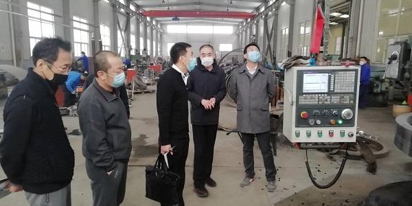 铁岭客户考察华仕达一步法PERT保温管生产线