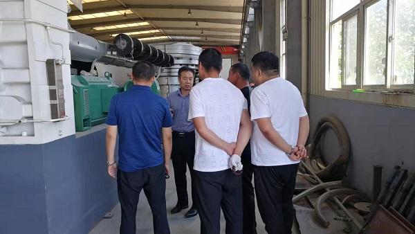 同义说600型保温管生产线是华仕达高效节能设备