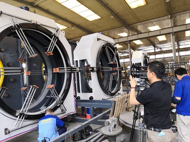 华仕达行星切割机与保温管生产线