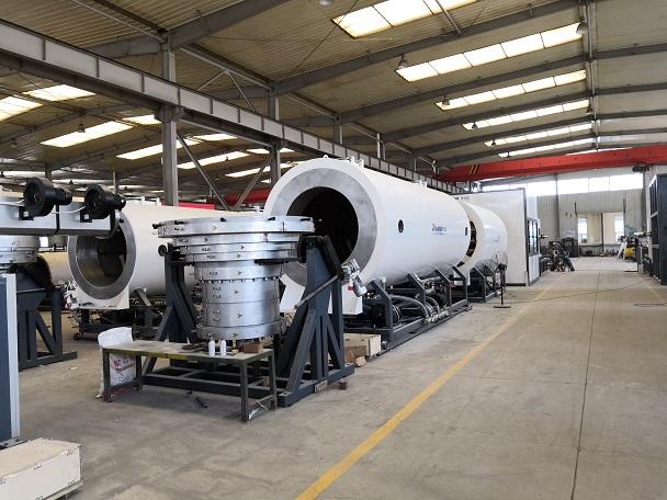 华仕达领航保温管生产线真空定径技术解决方案