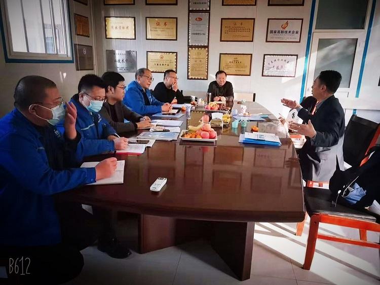 黄保东应邀到宁夏青龙讲授保温管设备的核心技术