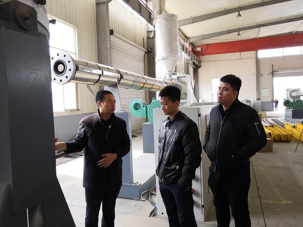 华仕达让客户心动的保温管设备  挤出量可以达到1200-1400kg/h