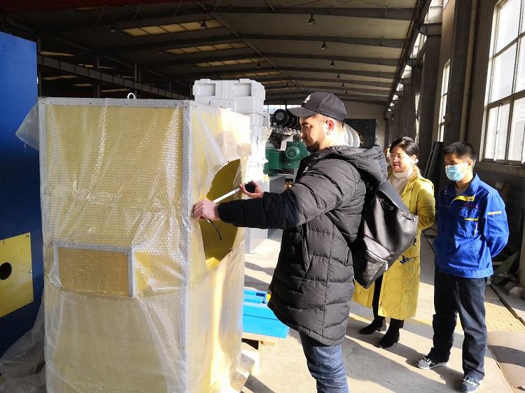 华仕达为哈萨克斯坦改造的3PE钢管防腐设备  顺利通过第三方验收
