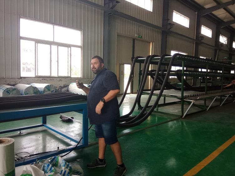 生产环保型橡塑制品选择华仕达橡塑发泡保温管设备