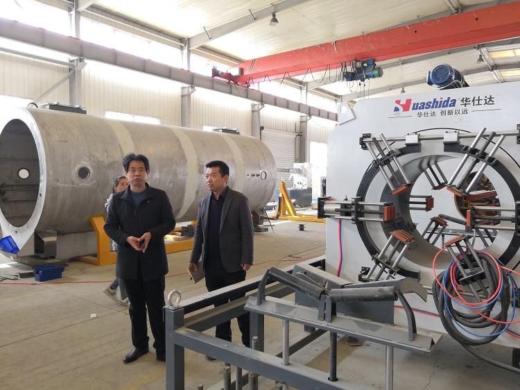 华仕达制造行业中名列前茅的保温管生产线